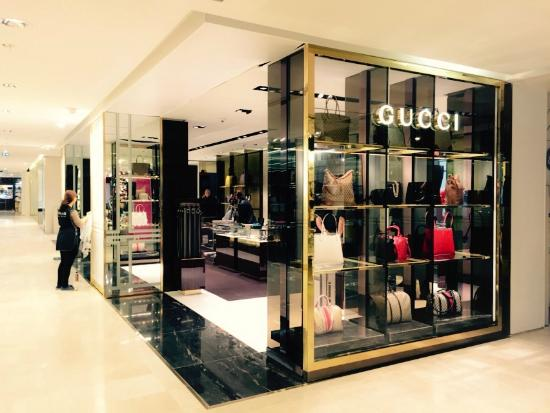 4bdcacda205 Boutique GUCCI - Photo de Galeries Lafayette