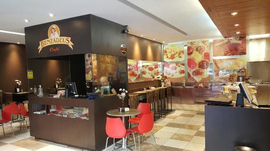 Benzadeus Cafe
