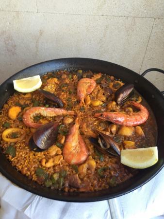 Restaurant Es Portal: ...Paella impresionante y muy amables...