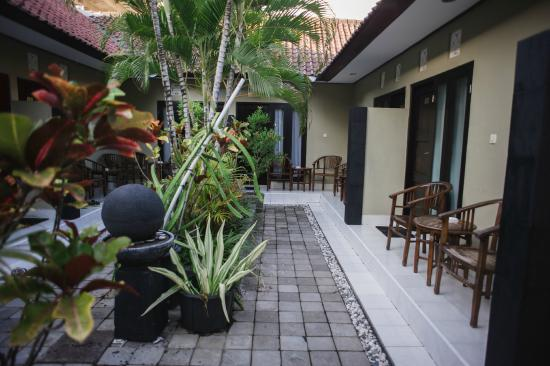 Legian Guest House: SUPERIOR ROOM VIEW
