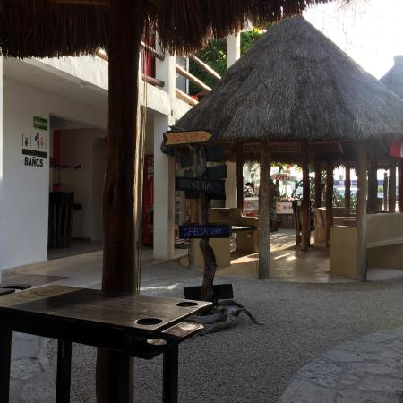 Itour Mexico: Clean, staff are friendly, breakfast is satisfying