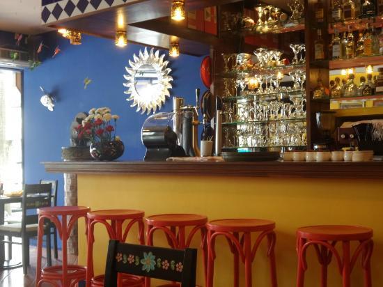 La Mexicana: Mexicana Bar