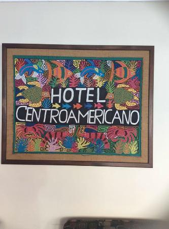 Centroamericano Hotel: Art in lobby