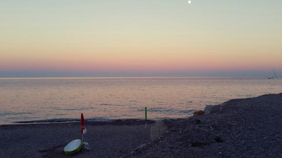 Marina di Caulonia, Italia: Tramonto in spiaggia