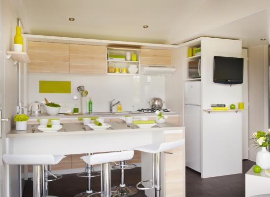 Vakantiepark Koningshof : Living room/ Kitchen Chalet