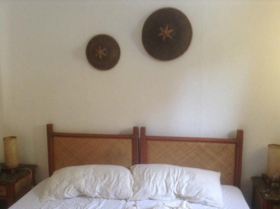 Alona Vida Beach Resort: Кровать