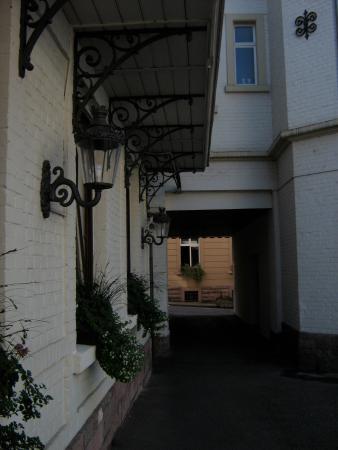 Hotel Etol : devant l'entrée de l'hôtel