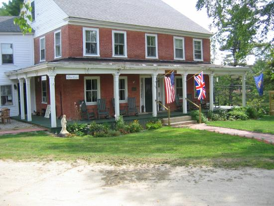 Temple, NH: Main Inn