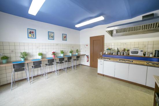 Hostel Marmota: Kitchen