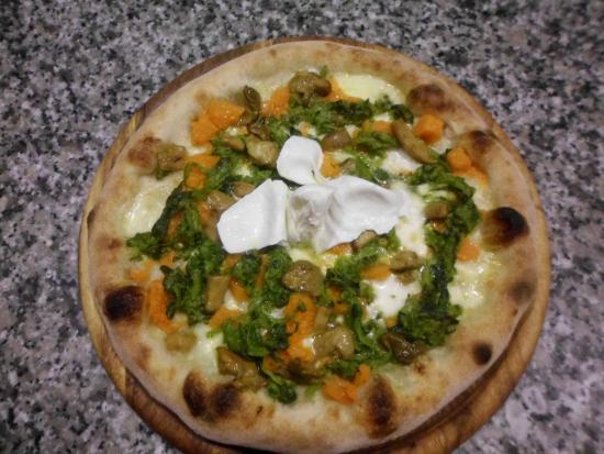 Pizzeria orchidea 2 casalecchio di reno ristorante for Hotel vicino unipol arena bologna