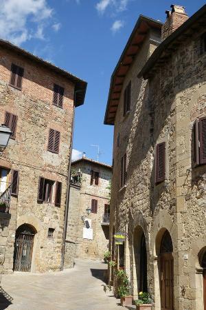 Affittacamere Maria Gabriella: Town of Monticchiello