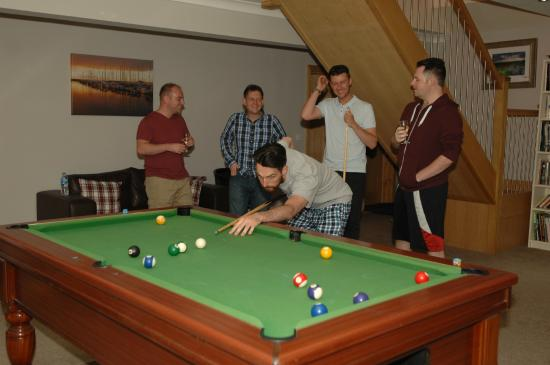 Birchwood House: Pool table in lounge is a great pass time.