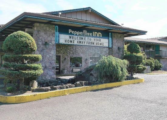 Peppertree Inn: Inn Exterior