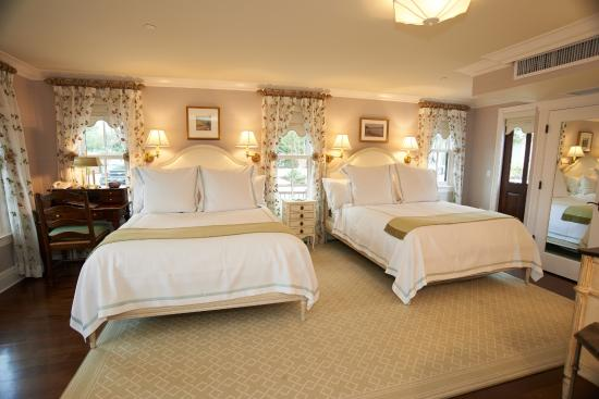 Three stories double room picture of saybrook point inn for Actpoint salon review