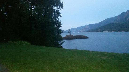 Skamania Coves Resort: view from porch