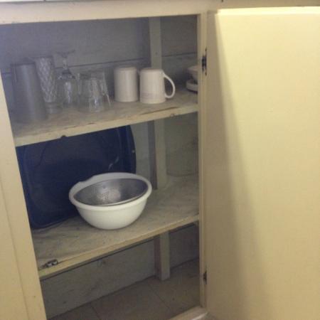 Whispering Pines Motel: pas 2 verres , pas 2 tasses identiques