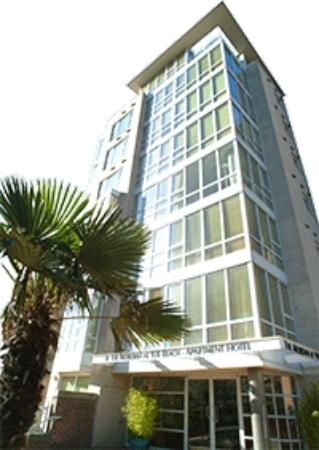 910 Beach Avenue Apartment Hotel: Exterior View of Apartment Hotel