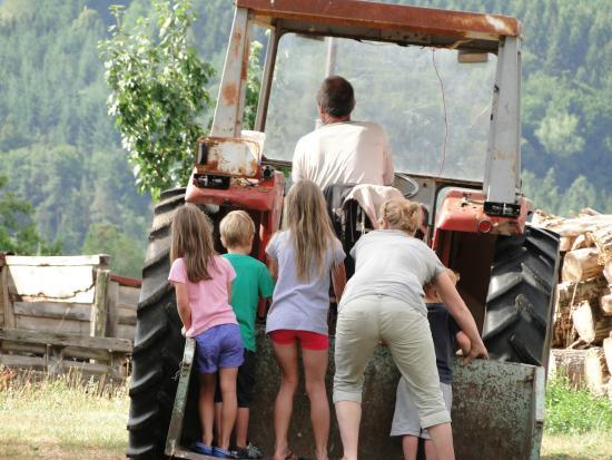 Auberge Les Liards : petit tour de tracteur avec walter