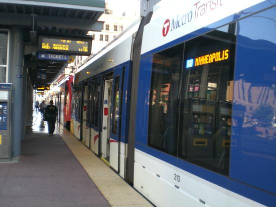 METRO Blue Line: Picture of the train