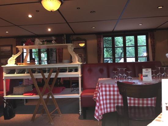 plats et salle du restaurant photo de bistrot de port lesney port lesney tripadvisor