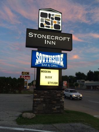 SOUTHSIDE BAR & GRILL, Windsor - 3032 Dougall Ave - Updated 2019