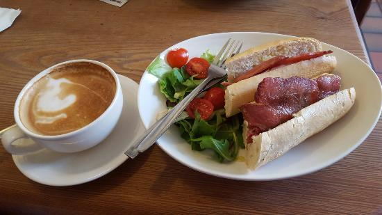 Oliver's Coffee House: Perfect for a light lunch and a coffee.