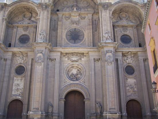 Fachada de la Catedral. - Picture of Cathedral and Royal ...