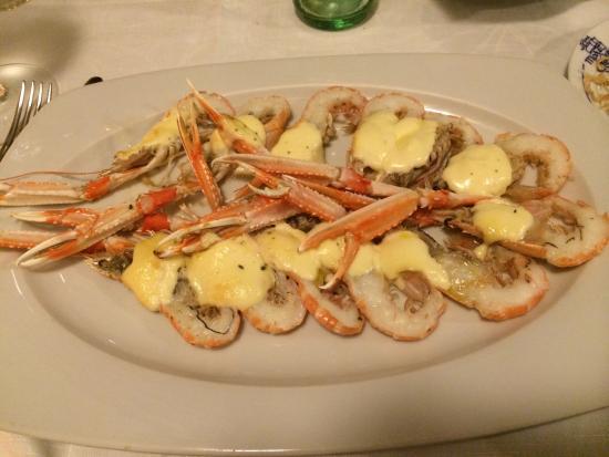 Langoustine sauce aïoli Ou bien : 6 crevettes coupées en deux 25euros ... Merci Mare Nostrum lol