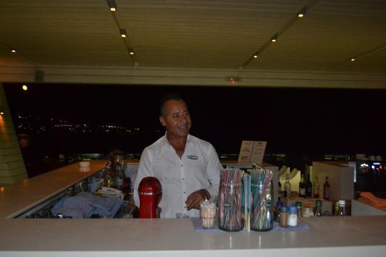 Sunrise Hotel: Бармен, отлично знающий свое дело