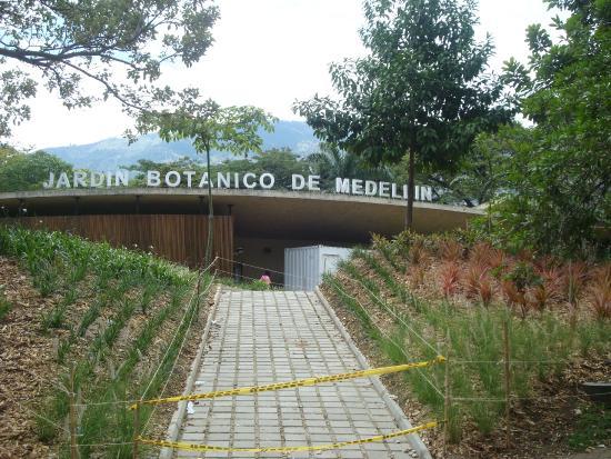 Foto de jardin botanico de medellin medell n entrada for Jardin botanico tarifas