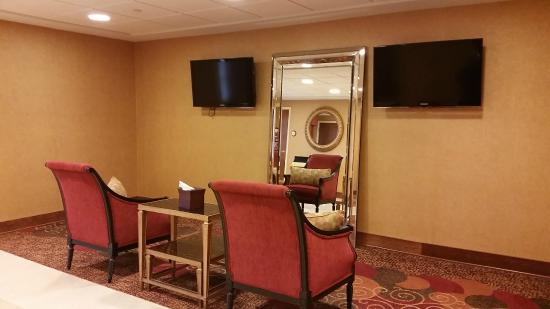 Mardi Gras Casino & Resort: 2nd floor sitting area