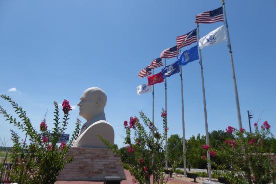 Eisenhower Veterans Monument: photo0.jpg