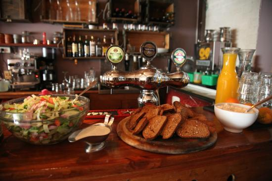 Bar-Kayma Hostel