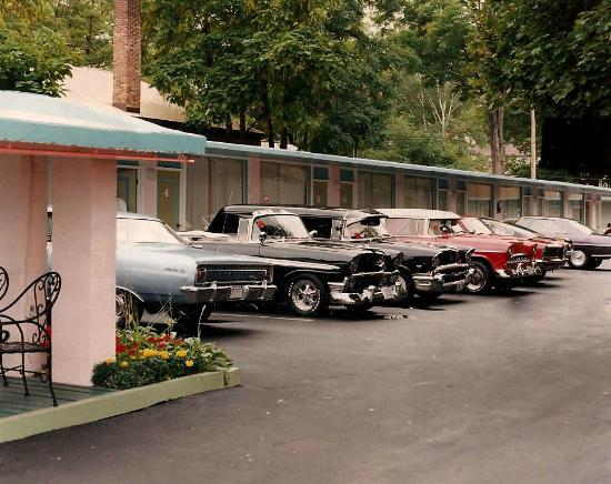 The Lake George Windsor Motel: Classic Car Show