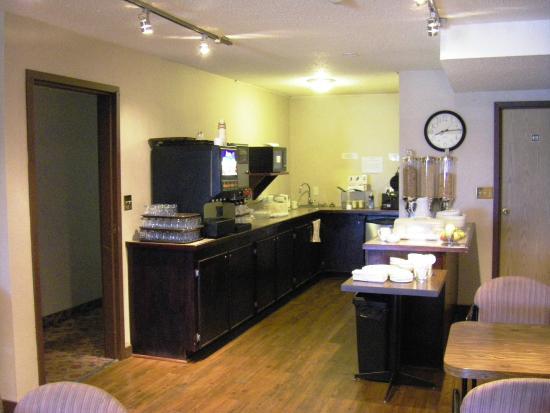 Fireside Inn & Conference Centre: Breakfast Room