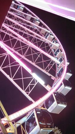 SpringHill Suites by Marriott Pigeon Forge: Ferris Wheel at The Island