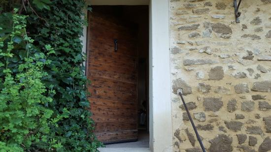 Le Clos Saint Saourde : Rustic Door to our Room
