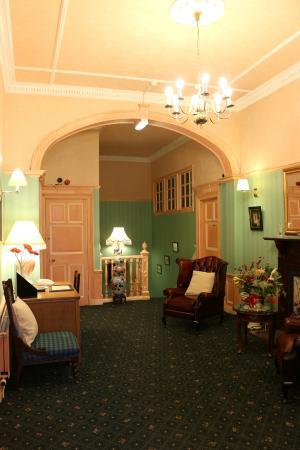 Grosvenor Gardens Hotel: Reception
