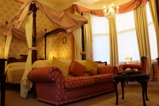 Grosvenor Gardens Hotel: Room