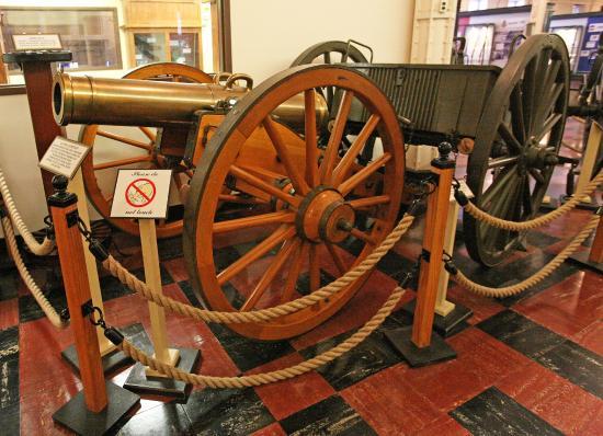 Rock Island Arsenal Museum: An old artillery piece.
