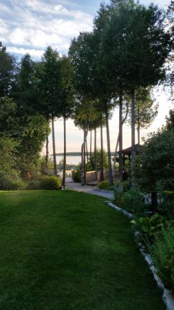 Bear Cove Bed and Breakfast: Aug 2015