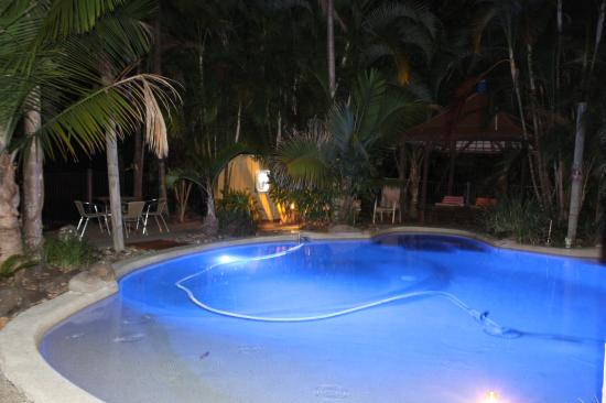 Alaya Escape: The pool at night