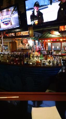 Radisson Hotel Milwaukee West: the bar