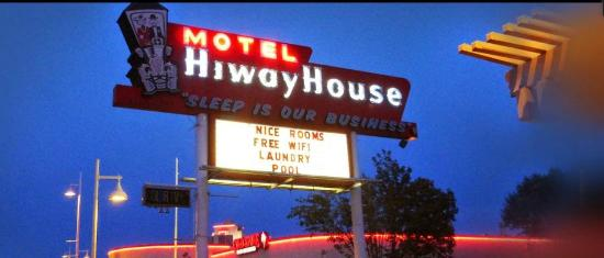 Hiway House Motel: Front 1