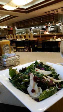 B-Line Diner : Yummy kale salad