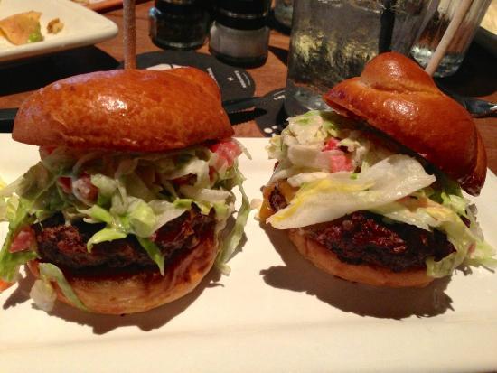 Sliders (3-pak, Creekstone Farms Black Angus mini burger