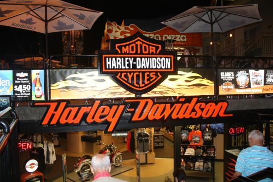 harley davidson store - niagara falls - photo credit: richard trus