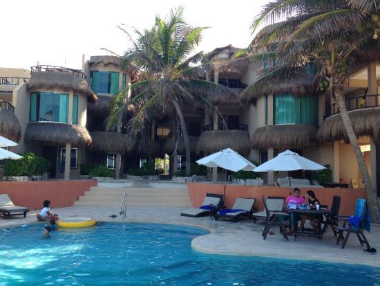 Playa La Media Luna Hotel: Vista trasera