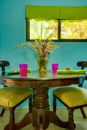 Casa Placencia Belize: Two Bedroom/two bath Apt-dining area for 4 guests
