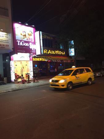 Rainbow Bar & Restaurant : Вывеска